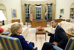 300px-Barack_Obama_and_Hillary_Clinton_in_the_Oval_Office